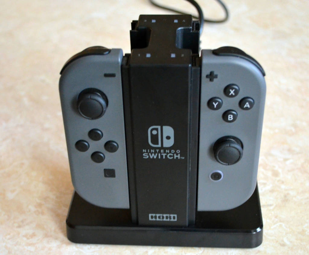 Nintendo Switch Joy Con ładowarka Marki Hori (1)